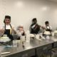 ACC Culinary students demonstrate cake decorating techniques